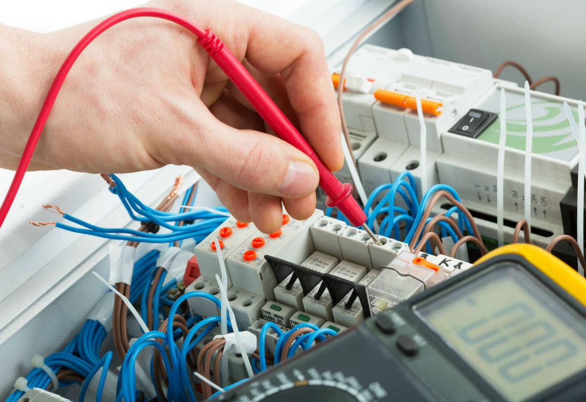 EDF Rennes : Que proposent les opérateurs électriques une fois chez eux ?